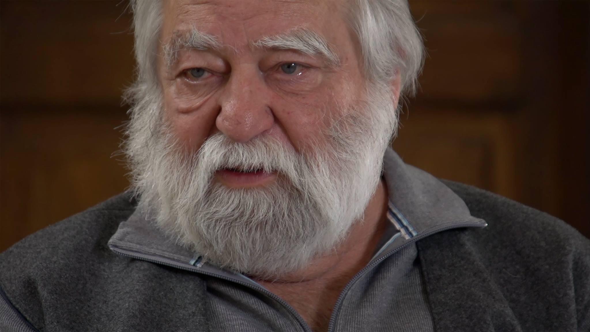 Isten éltesse sokáig Sára Sándort, Kossuth-díjas, Balázs Béla-díjas, Magyar Művészeti Akadémia Életműdíjas operatőrt, rendezőt